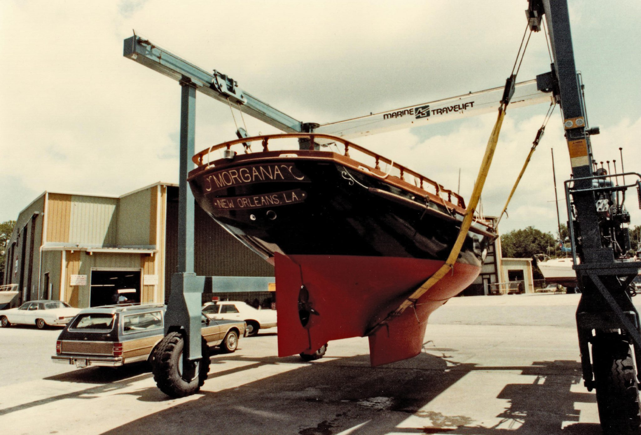 Travel lift taking Morgana to water for testing