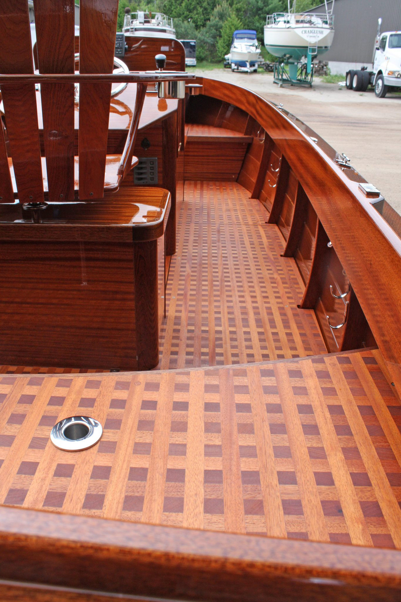 Mahogany grating on floor of Geepy