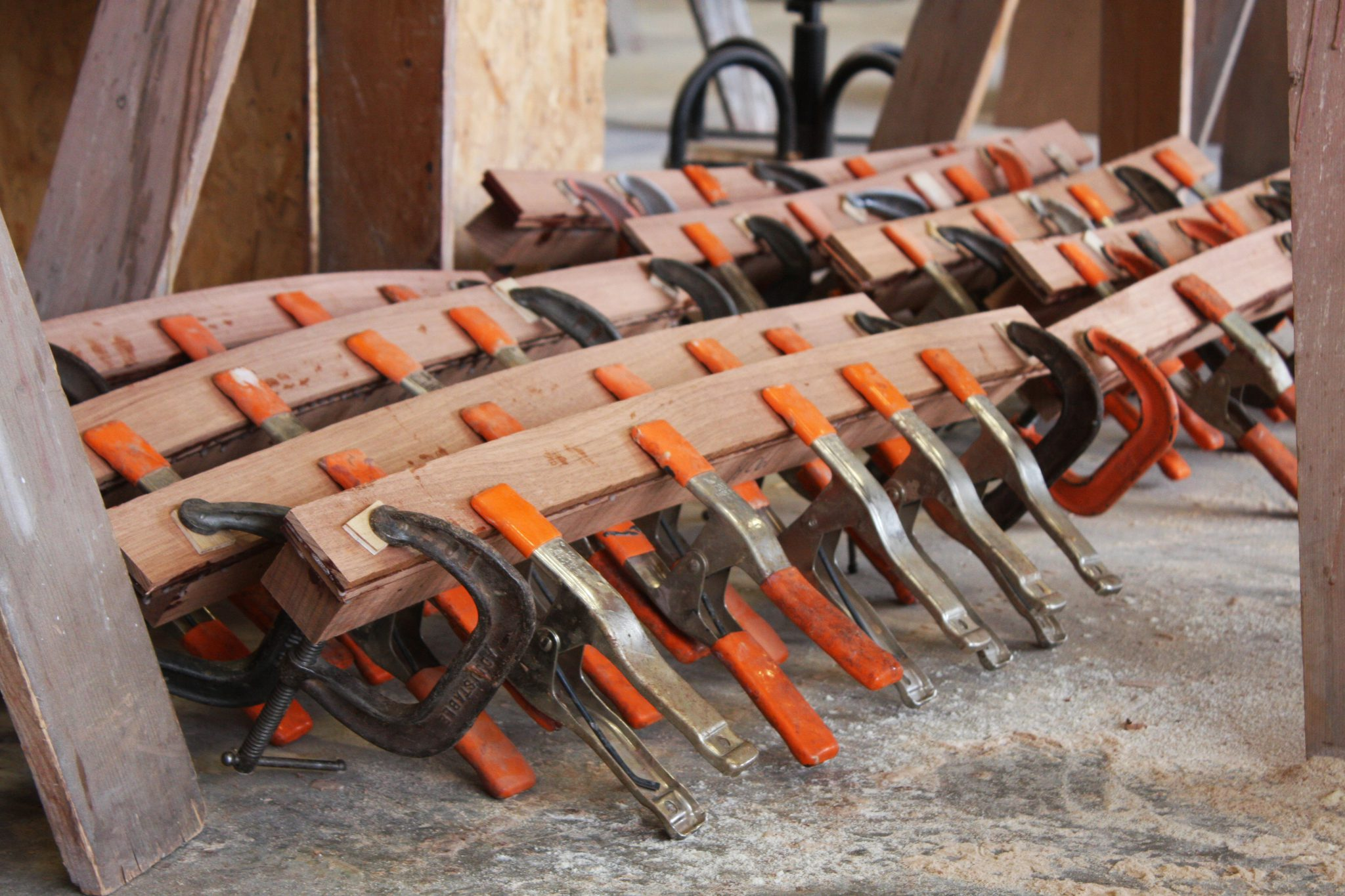 Clamping for final drying on ribs